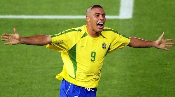 Ronaldo đã nói gì khi đặt chân đến Nga? - ảnh 2