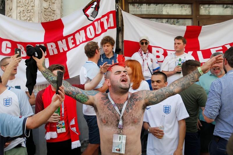 CĐV Anh và Croatia tưng bừng mở hội ở Moscow - ảnh 14