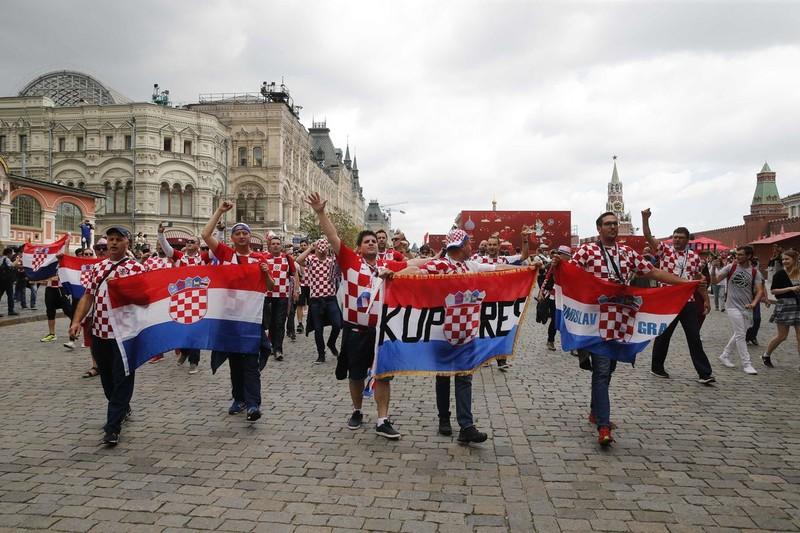 CĐV Anh và Croatia tưng bừng mở hội ở Moscow - ảnh 15
