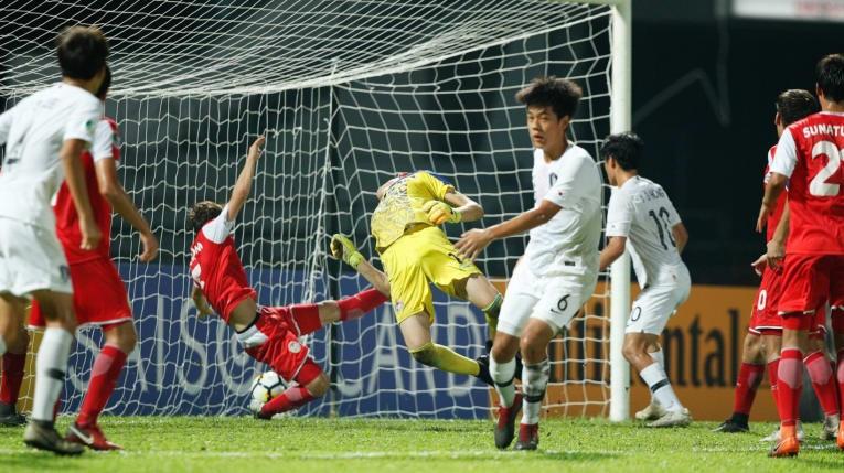 Tajikistan 'hóa' U23 Việt Nam, đánh bại Hàn Quốc vào chung kết - ảnh 1