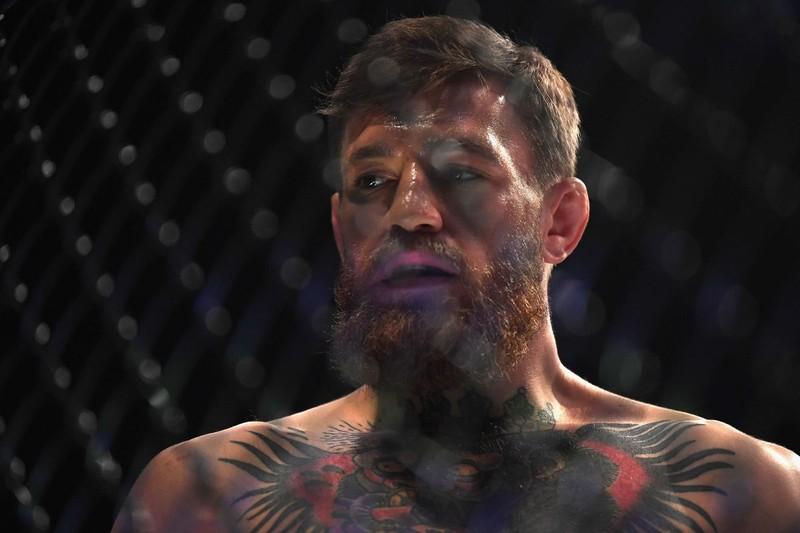 Khabib đánh bại McGregor, đánh luôn đội của đối thủ - ảnh 4