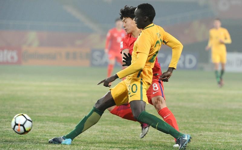 Bại tướng của U-23 Việt Nam lần đầu được gọi vào đội tuyển - ảnh 1