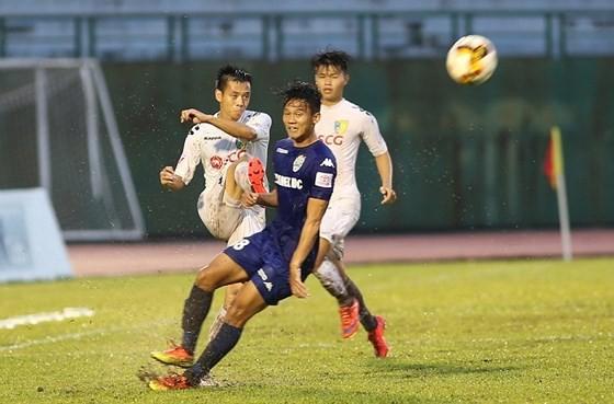 Hòa B. Bình Dương, nhà vô địch V-League tan 'giấc mơ cú đúp' - ảnh 1