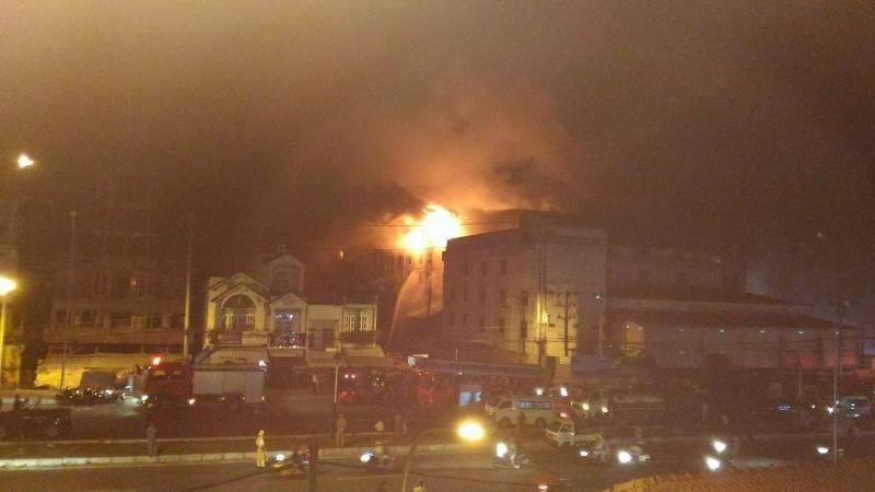 Đám cháy ở Cần Thơ bùng phát dữ dội trở lại - ảnh 12