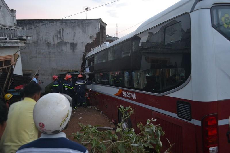 2 xe giường nằm tông trực diện ở Lâm Đồng - ảnh 2