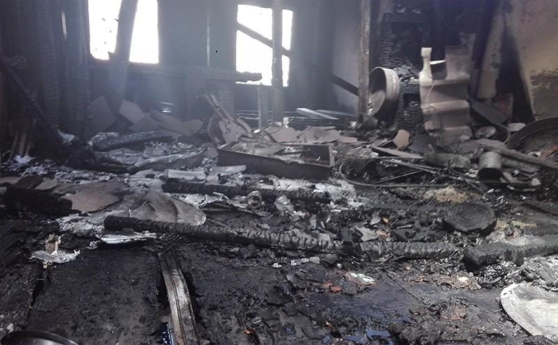 Cháy nhà trong hẻm ở Cần Thơ, dân hoảng loạn - ảnh 1