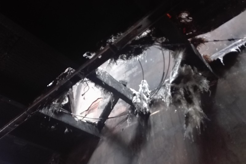 Cháy nhà trong hẻm ở Cần Thơ, dân hoảng loạn - ảnh 2