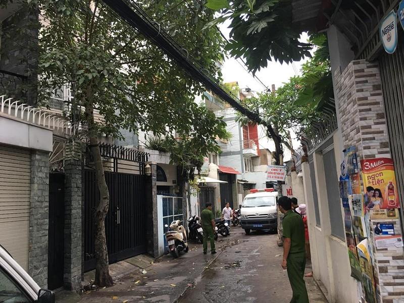 2 cha con tử vong trong căn nhà khóa trái ở Tân Bình - ảnh 2