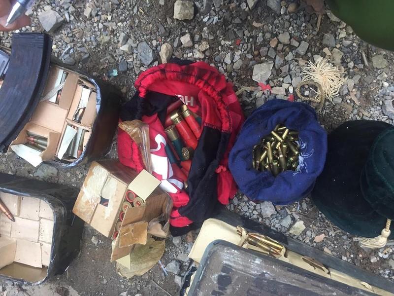 3 người chết khi đang ôm súng trong nhà trùm ma túy Sơn La - ảnh 2