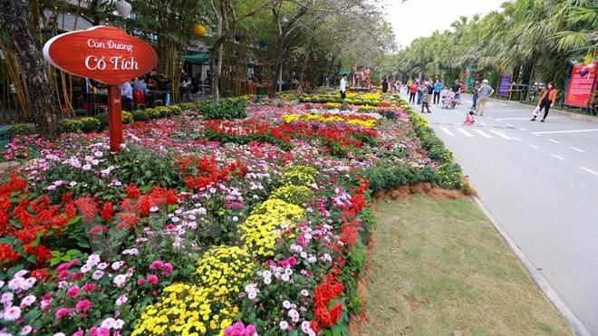 Thích thú với lễ hội hoa xuân lớn nhất miền Bắc - ảnh 1