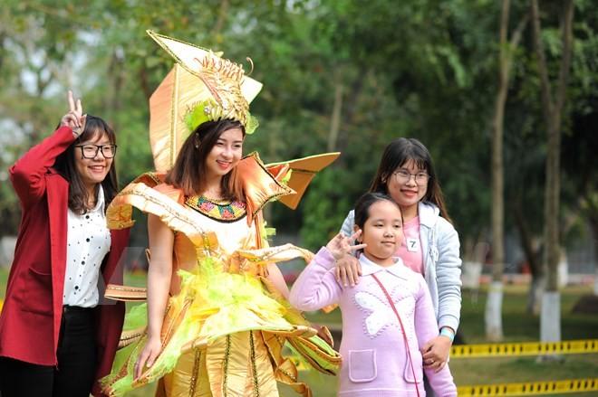 Thích thú với lễ hội hoa xuân lớn nhất miền Bắc - ảnh 7