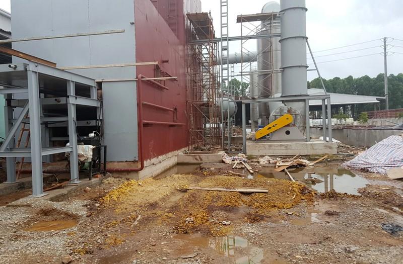 Bắc Giang: 1.300 tấn chất thải công nghiệp 'bốc hơi'? - ảnh 1