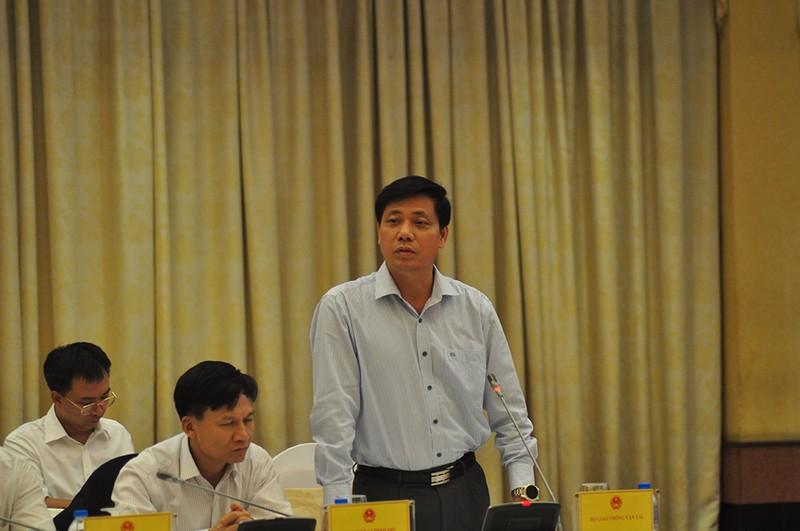 Sách giáo khoa, chợ Long Biên làm nóng cuộc họp báo Chính phủ - ảnh 4
