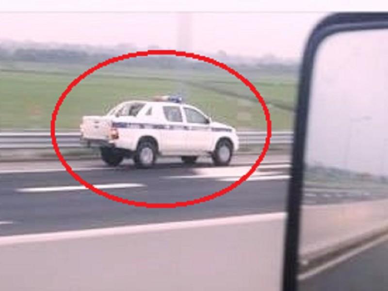 Xe của CSGT chạy ngược chiều trên cao tốc:Luật cho phép - ảnh 1