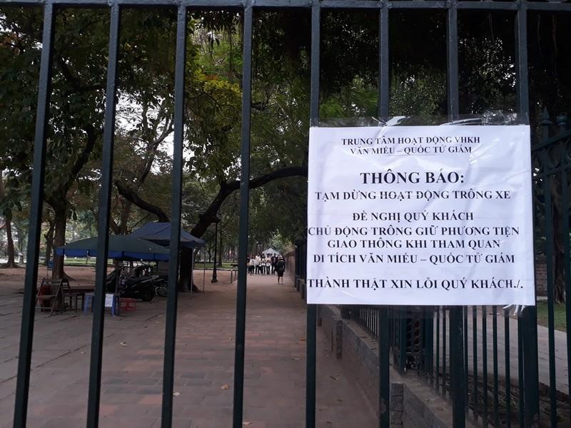 Hà Nội: Người dân thăm Văn Miếu không có chỗ gửi xe - ảnh 3
