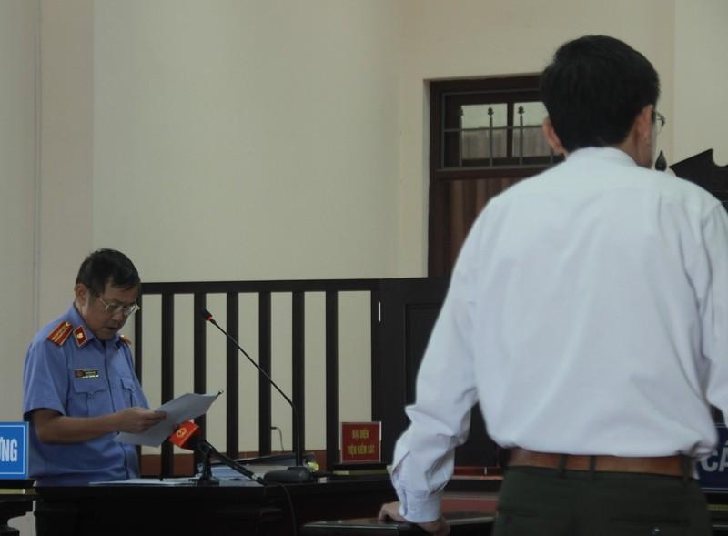 Tranh cãi 'nảy lửa' vụ cán bộ kiểm lâm tông chết cảnh sát - ảnh 3
