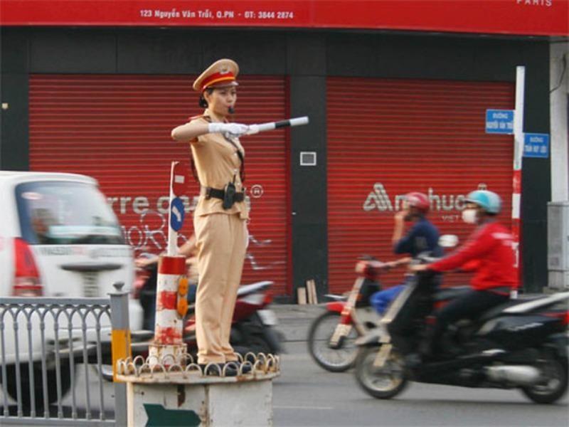 Cảnh sát giao thông sử dụng âm hiệu còi như thế nào? - ảnh 1