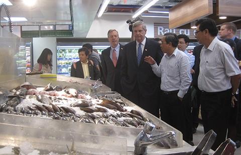 Đại gia Thái đẩy mạnh bán gà rán trên xe đẩy tại Việt Nam  - ảnh 1