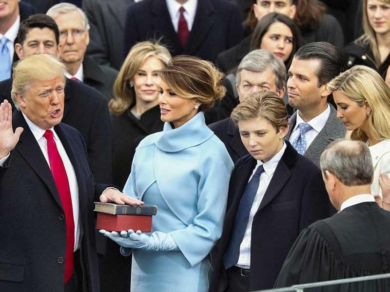 Tổng thống Trump ký sắc lệnh đầu tiên - ảnh 2