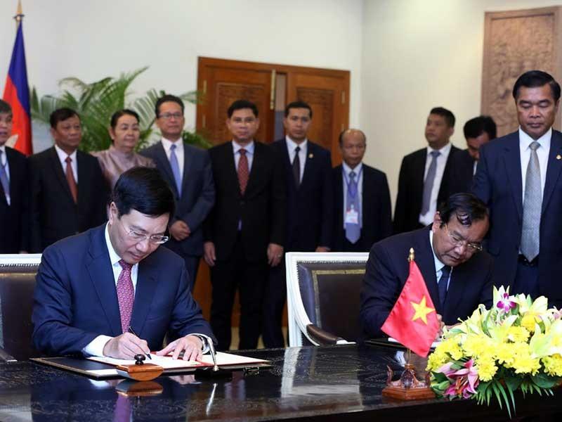 VN - Campuchia đảm bảo quyền lợi của kiều dân 2 nước - ảnh 1