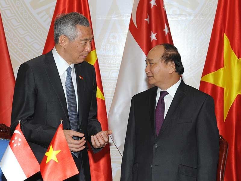 Việt Nam - Singapore ký kết nhiều văn kiện hợp tác - ảnh 1