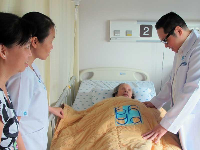 Do chủ quan, người già vô tình nuôi bệnh tật - ảnh 1