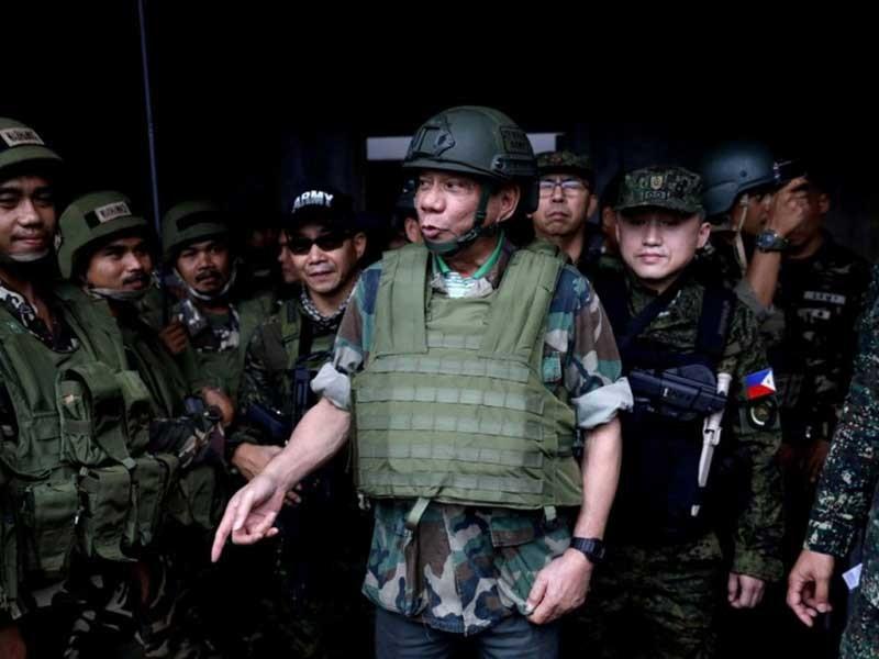 Ông Duterte có thể thiết quân luật toàn Philippines - ảnh 1