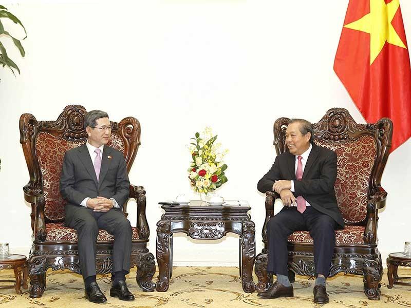 Việt Nam đề nghị hỗ trợ tốt cho người Việt ở Hàn Quốc - ảnh 1