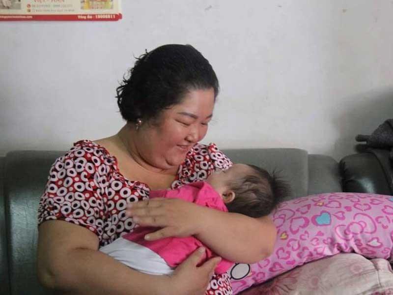 Bé gái 3 tháng tuổi bị bỏ rơi - ảnh 1