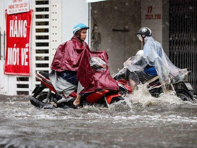 Dự án cải thiện môi trường nước: Mưa ngập, nắng bụi - ảnh 1