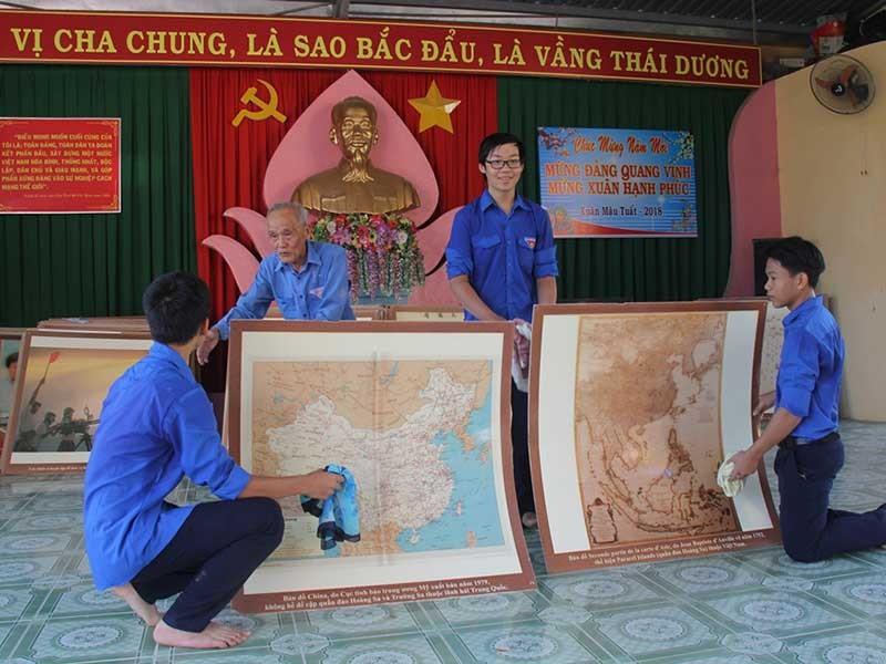 Cụ ông 84 tuổi trưng bày tư liệu Hoàng Sa, Trường Sa - ảnh 1