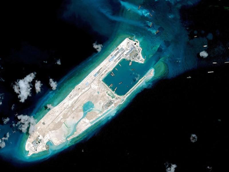 Trung Quốc đe dọa tàu thuyền, máy bay ở biển Đông - ảnh 3