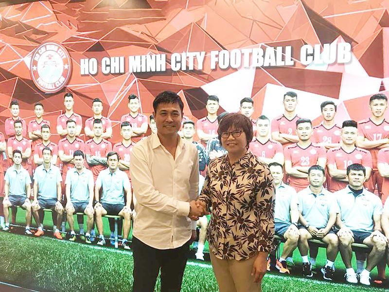 Hữu Thắng và bà Mae Mua về điều hành CLB TP.HCM - ảnh 1