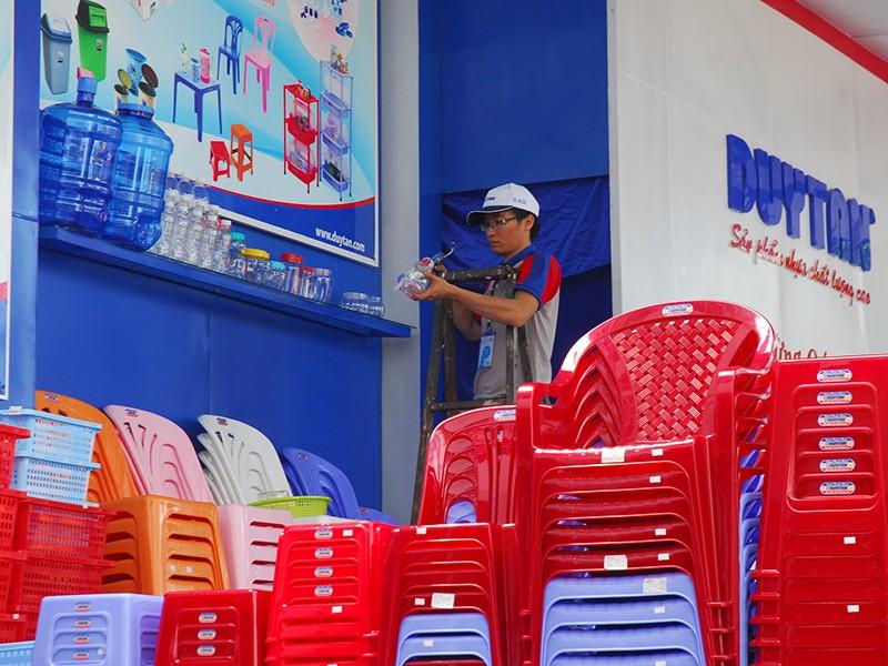 Thái, Hàn, Nhật thi nhau thâu tóm nhựa Việt - ảnh 1