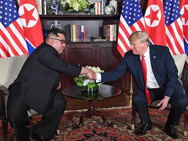 Thượng đỉnh Mỹ-Triều: Cái bắt tay bước qua quá khứ - ảnh 1