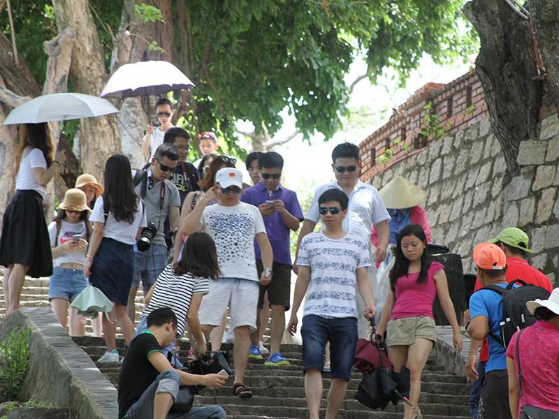 Du lịch Việt Nam-Trung Quốc bắt tay dẹp tour 0 đồng - ảnh 1