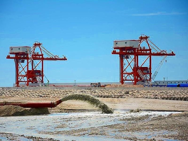 Chất nạo vét ở biển Vĩnh Tân: Dùng xây kè, không nhận chìm - ảnh 1