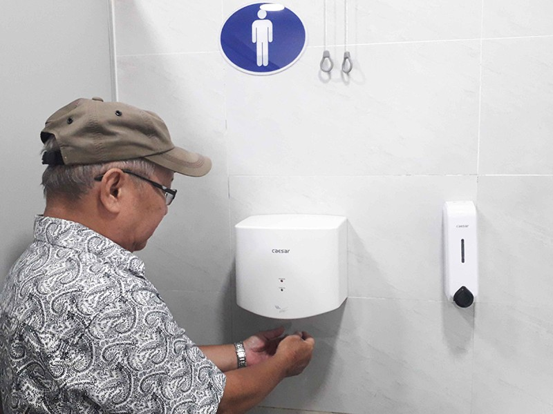 Nhiều bệnh viện ở TP.HCM có nhà vệ sinh sạch - ảnh 2