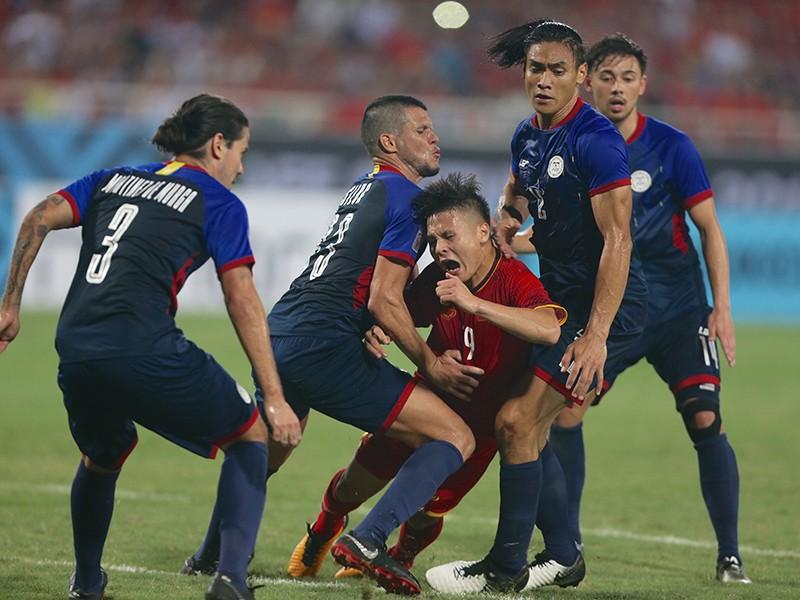 Việt Nam - Philippines 2-1: 'Lốc đỏ' buộc Eriksson tâm phục - ảnh 1
