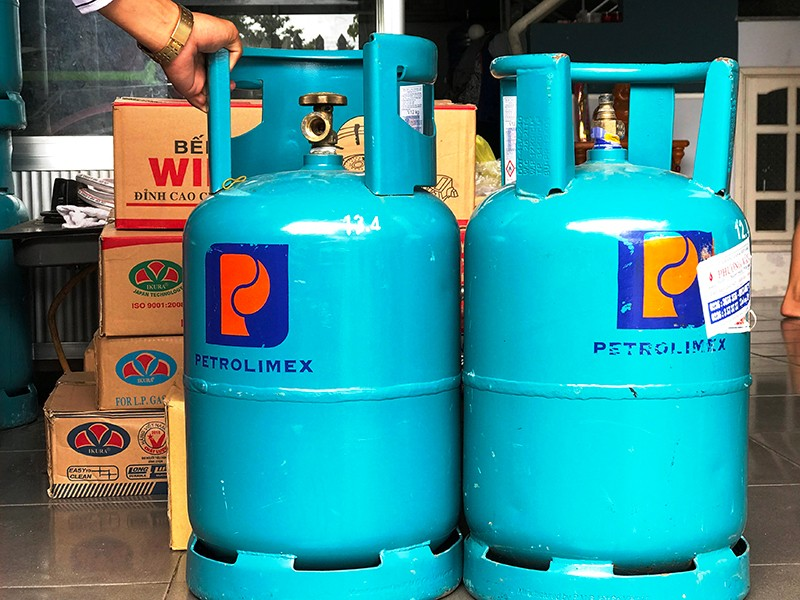 Chiêu lừa lạ: Yêu cầu mang bình gas lên chung cư - ảnh 1
