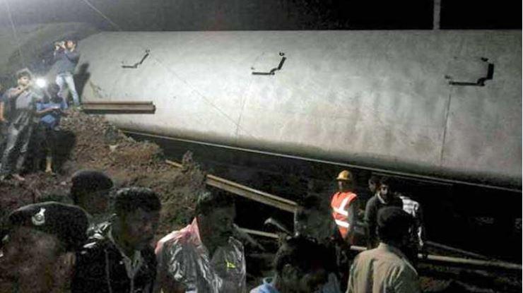 Tai nạn đường sắt thảm khốc tại Ấn Độ - ảnh 1