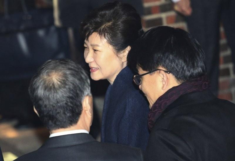 Bà Park bị phế truất, hàng loạt cố vấn cấp cao từ chức - ảnh 1