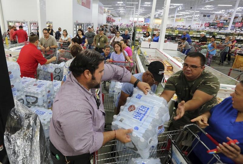 Mỹ di tản 5.000 quân vì siêu bão Irma - ảnh 1