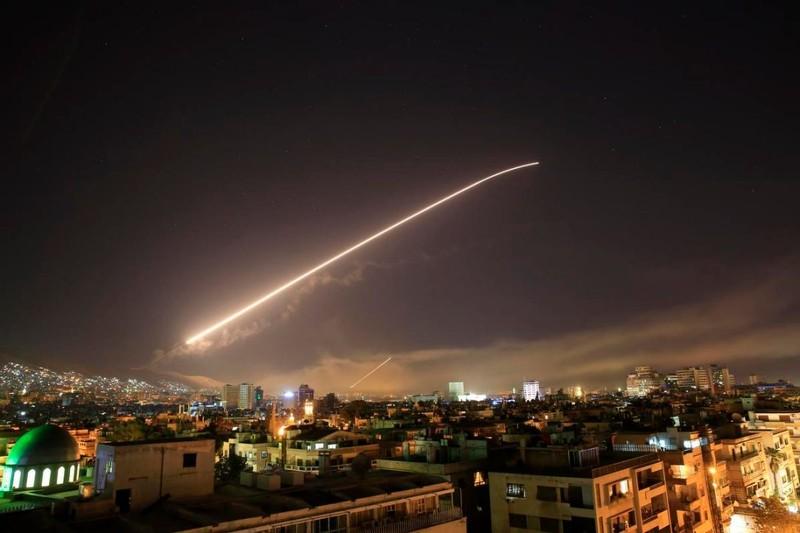 Anh-Pháp-Mỹ đã phóng 110 tên lửa vào lãnh thổ Syria - ảnh 1