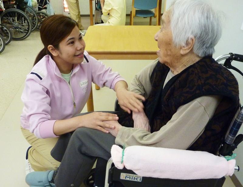 Điều dưỡng viên Việt Nam tại Nhật tăng mạnh - ảnh 1