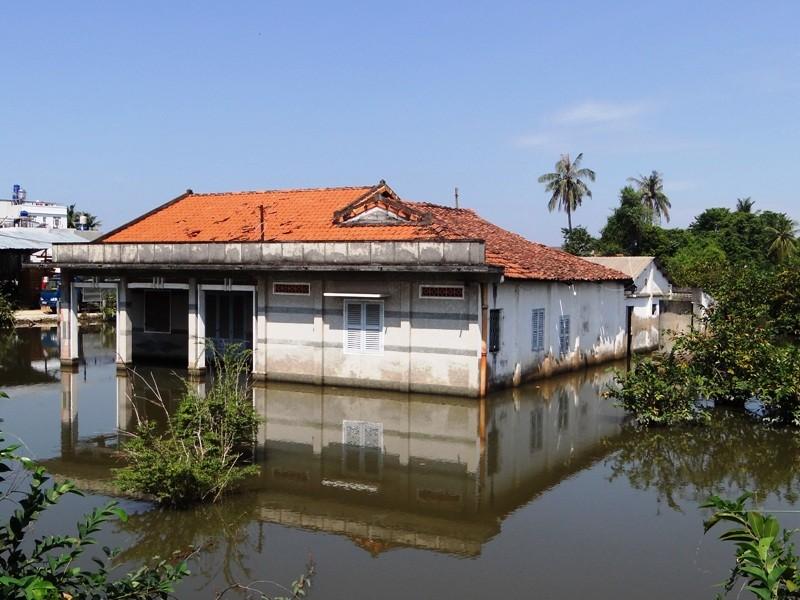 San lấp ngôi nhà ngập suốt 10 năm ở TP. HCM - ảnh 2