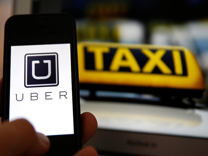 Hiệp hội Taxi Hà Nội kiến nghị dừng Uber, Grab  - ảnh 1