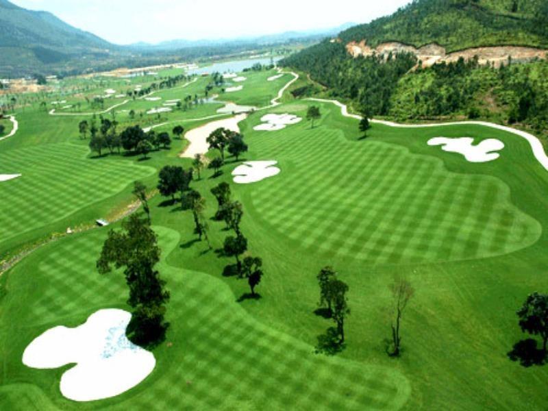 Sân golf Phượng Hoàng được xây dựng khi chưa quy hoạch - ảnh 1