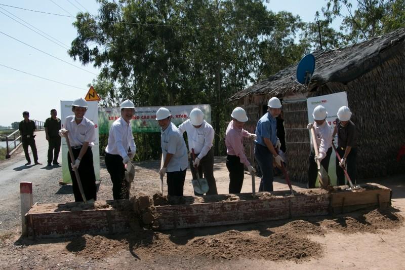 Khởi công ba cây cầu thuộc chương trình Cầu Nông thôn - ảnh 1