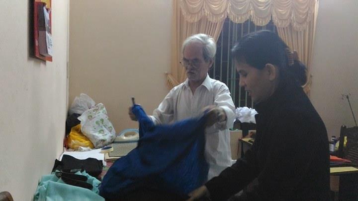 Cụ ông ở Đà Nẵng hơn 50 năm may áo dài - ảnh 2